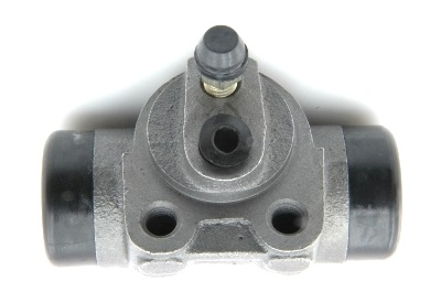 Rear brake cylinder, saloon models